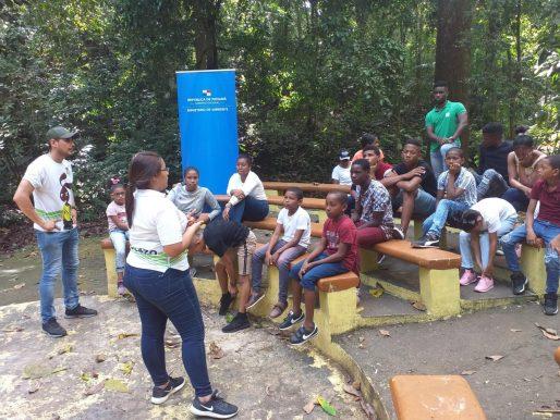 Fortalecer la cultura ambiental en la población  busca Mi Ambiente