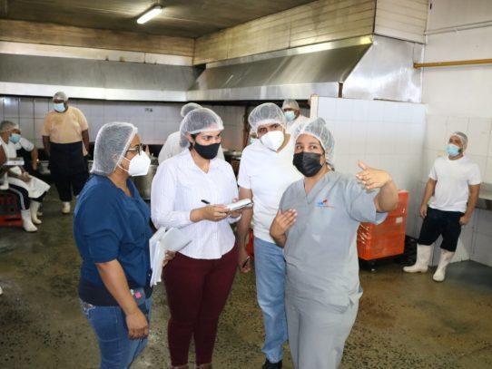43 empresas interesadas en distribución de alimentos en las cárceles