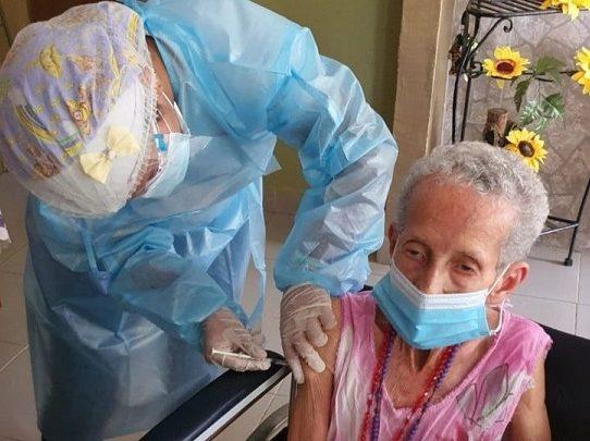 Panamá, uno de los países pioneros en la aplicación de dosis de vacunas contra Covid-19