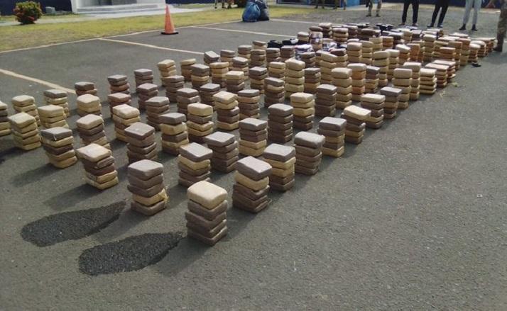 Decomiso de 648 paquetes con sustancia ilícita en Punta Mala