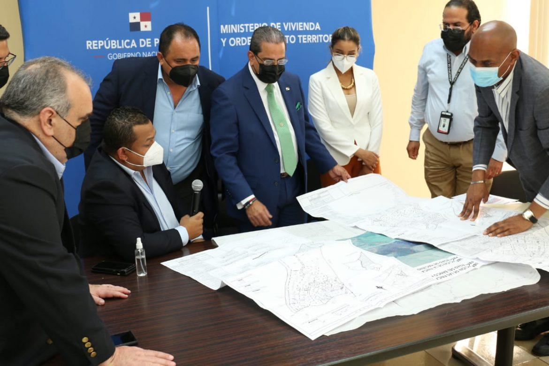 Autoridades evalúan alternativas para asentamiento Unión de Azuero