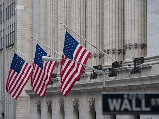Wall Street cierra dispar antes de la Fed