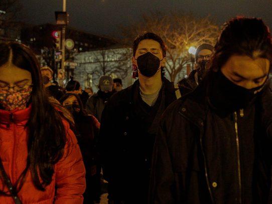 Cómo la actividad antiasiática en internet preparó el terreno para la violencia en el mundo real