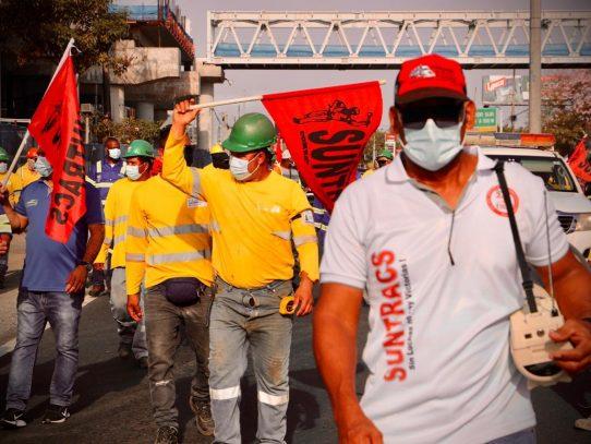 Acciones en calle siguen por trabajadores de la construcción