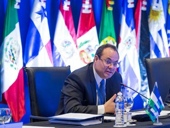 Renunció Luis Carranza Ugarte de presidencia de CAF