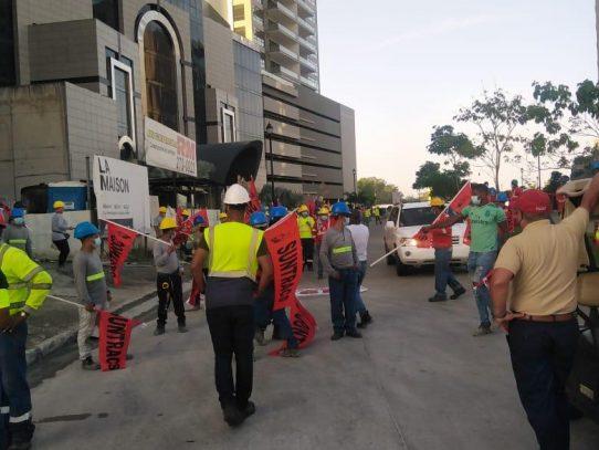 Trabajadores marchan nuevamente al Parlatino