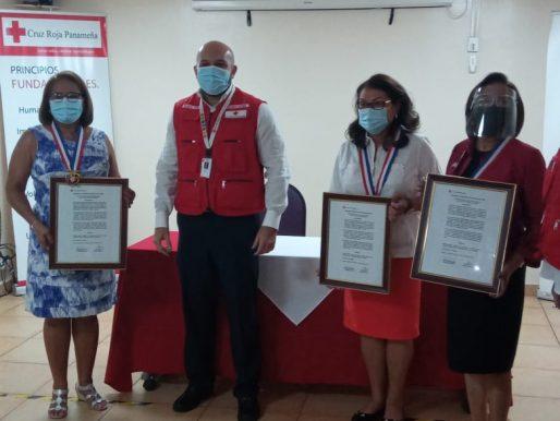 """Cruz Roja Panameña entregó Orden """"Doña Matilde de Obarrio de Mallet"""" a tres cruzrojistas"""