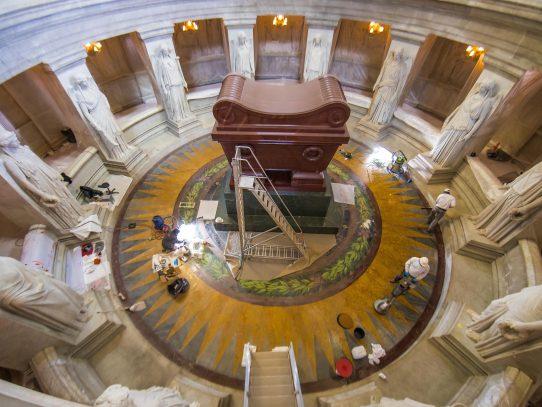 En el bicentenario de la muerte de Napoleón Francia restaura el mausoleo