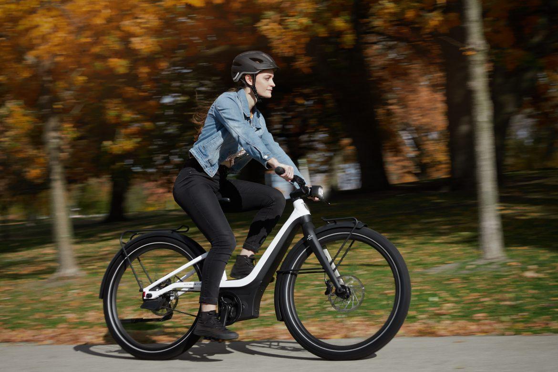 Adivina quién está fabricando bicicletas eléctricas: las empresas de autos y motocicletas
