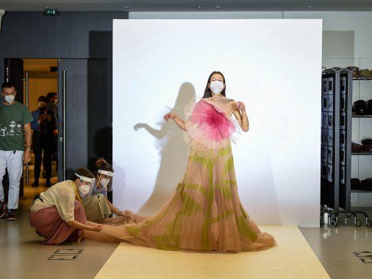Dior viste de feminismo el Palacio de Versalles