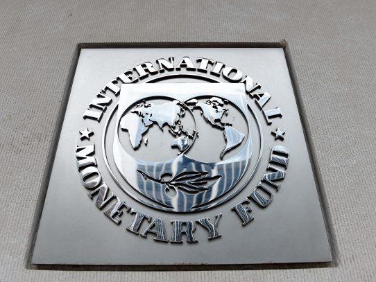 FMI mejora levemente proyección para Chile pero advierte de riesgos