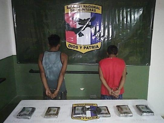 Dos aprehendidos y decomiso de sustancia ilícita en Guna Yala