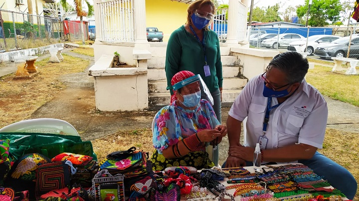 MiCultura realiza gira por puntos de artesanías en conmemoración del día del artesano