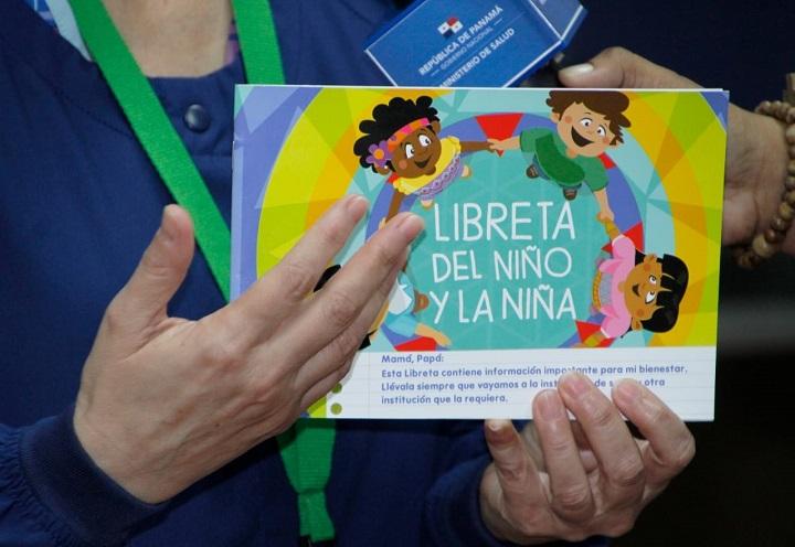 El MIDES entrega Libretas del Niño y la Niña para reforzar la atención en la primera infancia