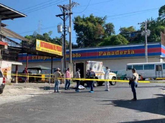 Un hombre muere tras ser arrollado por un metrobus en Torrijos Carter