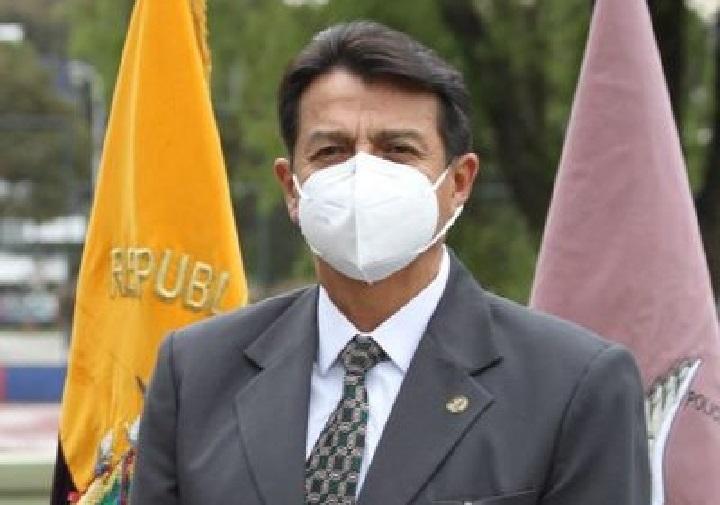 Ministro de Ecuador renuncia tras sangrientas revueltas carcelarias
