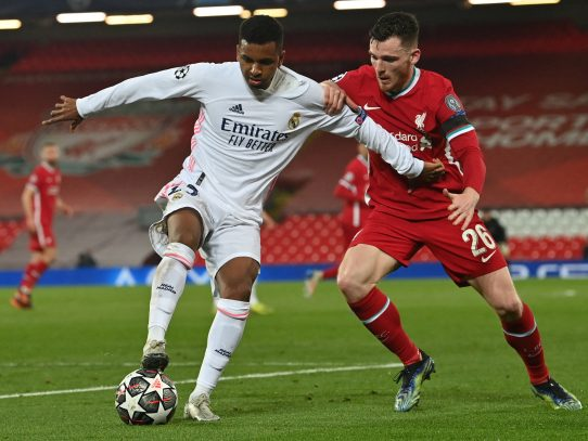 El Real Madrid resiste en Anfield para meterse en semis de Champions