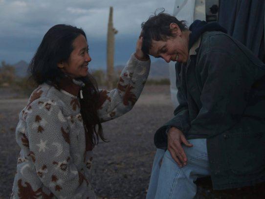 """Hollywood está listo para unos Óscar pandémicos, con """"Nomadland"""" al frente"""