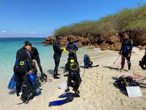 MiAmbiente realiza monitoreo ecológico en los arrecifes de coral de Azuero