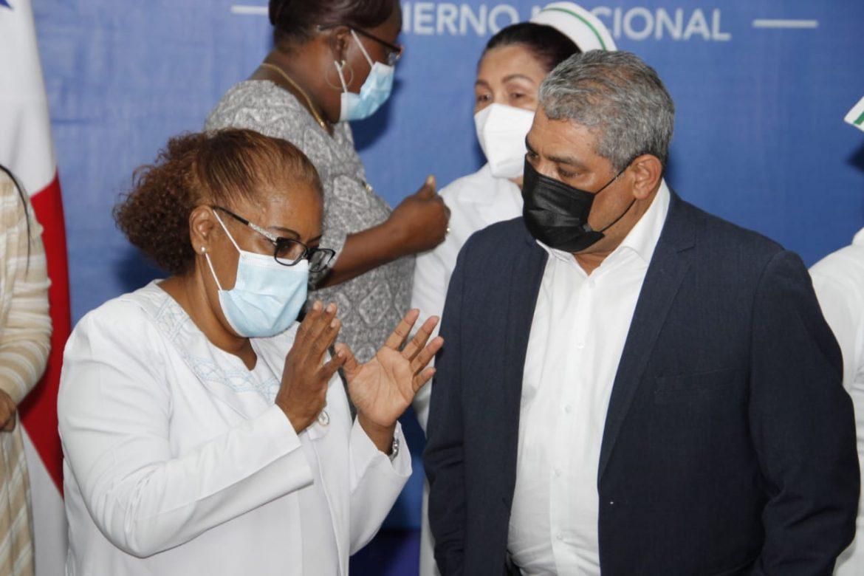Enfermeras se mantienen en paro al no llegar a acuerdos con las autoridades