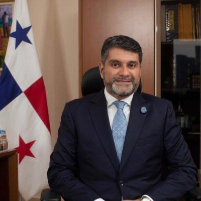 Andrés Farrugia puso a disposición su cargo de gerente general de la Caja de Ahorros