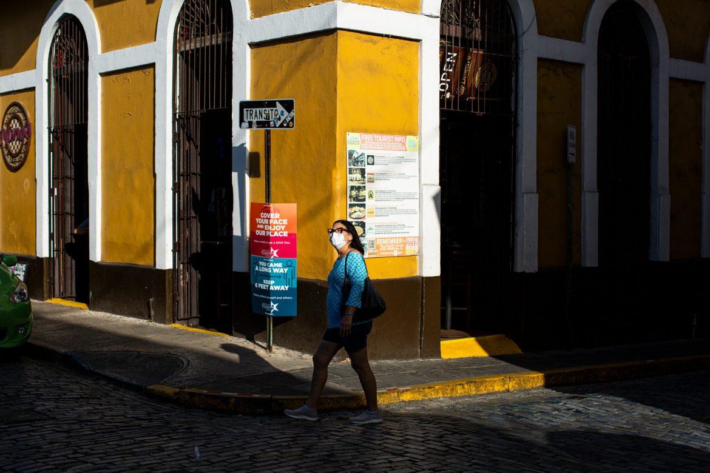 """Puerto Rico acaba de experimentar su """"peor momento"""" con la COVID-19"""