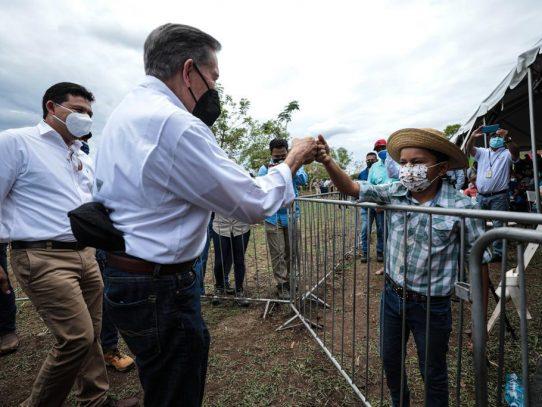 Abrirán auto rápidos de vacunas AstraZeneca en Chiriquí, Azuero, Santiago, Colón y La Chorrera