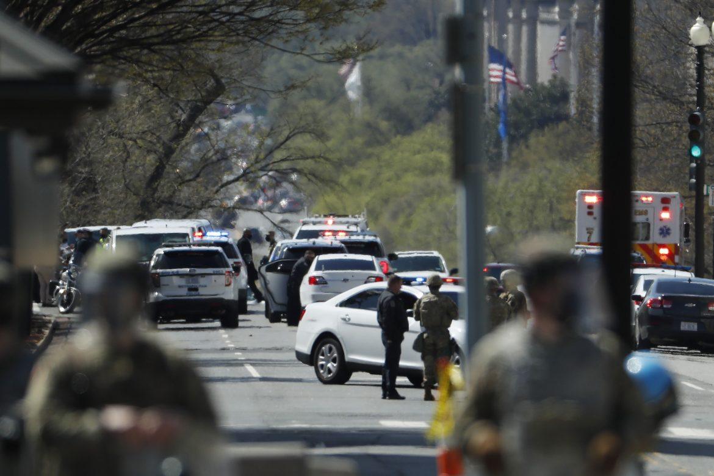 Murió uno de los dos policías atropellados en el Capitolio de EE.UU.
