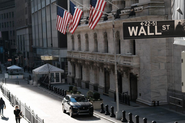 En Wall Street el Nasdaq cae cerca de 2%