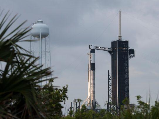 Retrasado un día por mal tiempo el vuelo tripulado de SpaceX a la ISS
