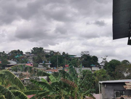 Avanza proceso de legalización de cinco asentamientos informales