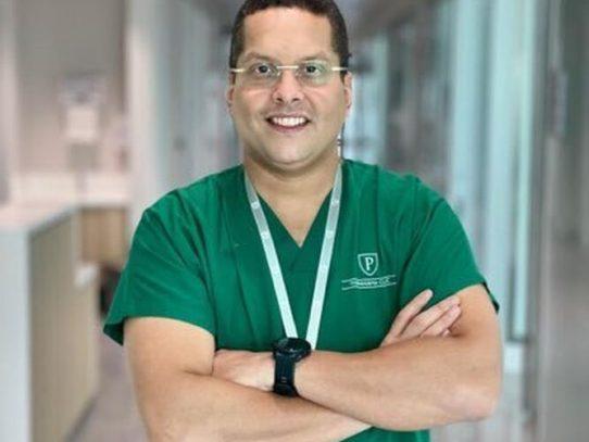 Dr. Julio Sandoval distinguido por la Facultad de Medicina