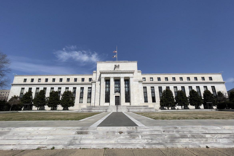 Wall Street termina dispar tras resultados de bancos