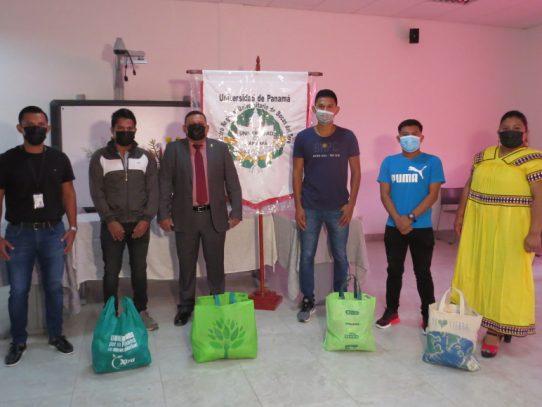 CRU de Bocas del Toro prestó ayuda a estudiantes para continuar el año lectivo