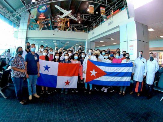 Estudiantesbecados seguirán estudios de medicina en Cuba