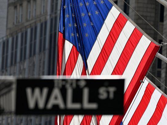 Wall Street abrió en alza una semana rica en resultados corporativos
