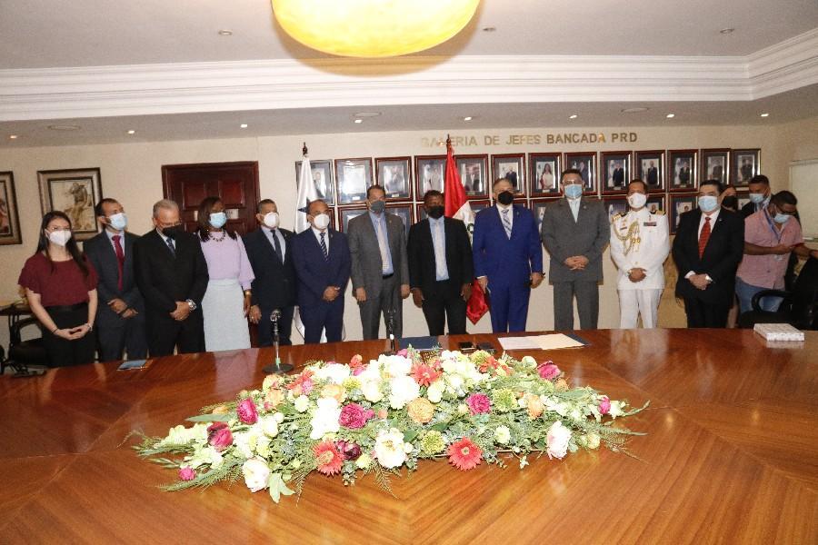 Instalan grupo interparlamentario Panamá-Perú