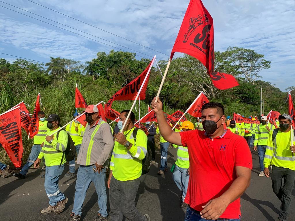 Obreros intensifican manifestaciones contra diálogo por la CSS