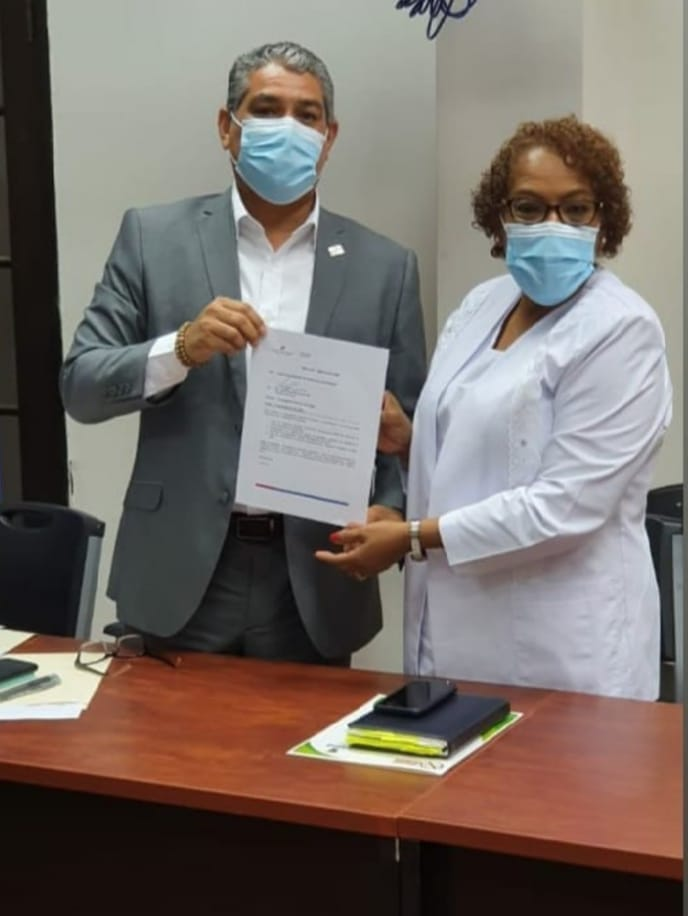 Ministro Sucre y Ana Reyes