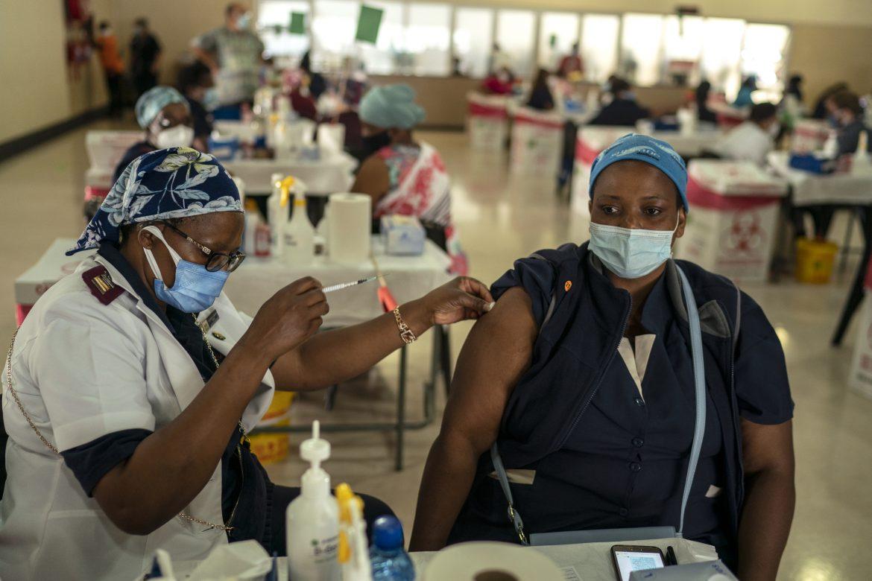 Los temores de Occidente sobre las vacunas obstaculizan el proceso de inmunización en otras partes del mundo