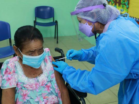 60% de población del 8-4 está vacunada