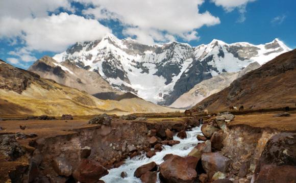 En las altas montañas de Lima se 'siembra el agua' con ingeniería prehispánica