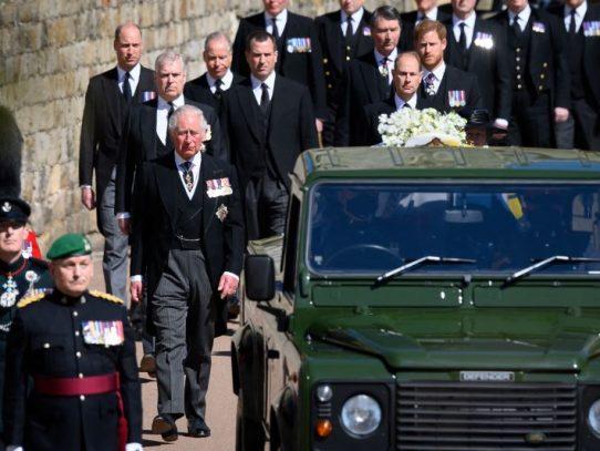 Desarrollo del funeral de Felipe: cortejo fúnebre, misa y honores militares
