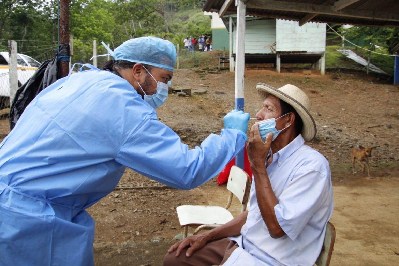 Realizan hisopados y atención médica a pobladores de las montañas de Chepo
