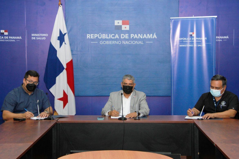 Firman acuerdo que pone fin a la intención de paro por laboratoristas clínicos
