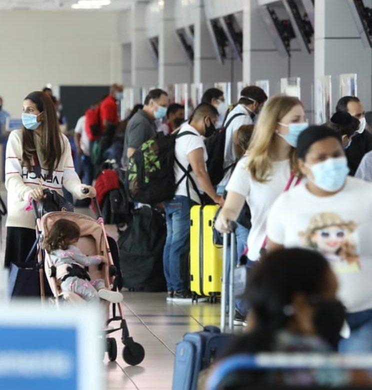 Ciento cuarenta y dos pasajeros procedentes de Suramérica positivos a coronavirus