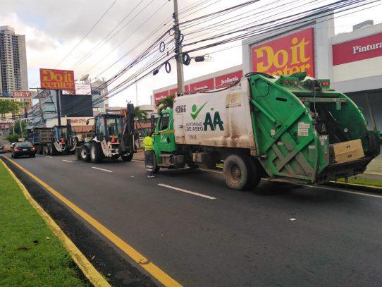 AUUD realiza compra de 600 llantas para camiones compactadores