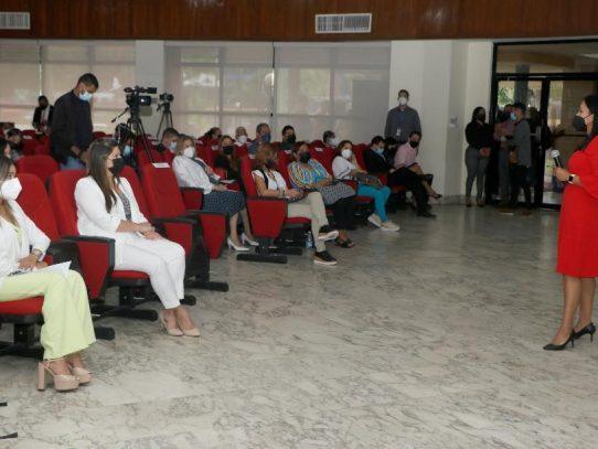 Miviot presenta ofertas para ejecución de Plan Colmena en Panamá Centro