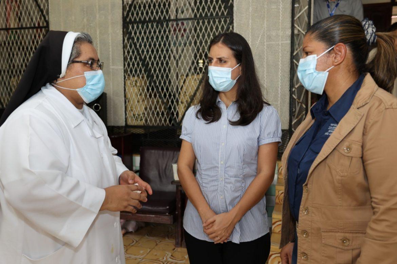 Directora de la Senniaf inspecciona albergues en Coclé y Veraguas