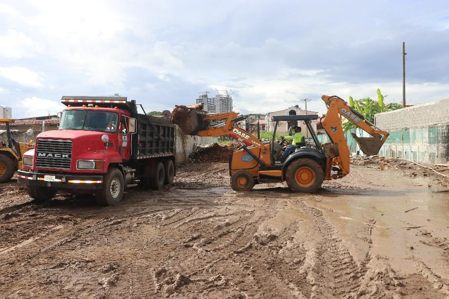 Inicia la construcción de 72 albergues temporales en Curundú